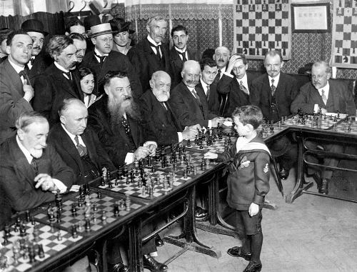 Reshevsky in simultanea