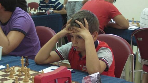 Il piccolo under10 marsalese Gianluca Savalla sempre concentratissimo e combattivo