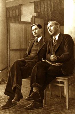 Un giovanissimo Paul Keres insieme a Viacheslav Ragozin