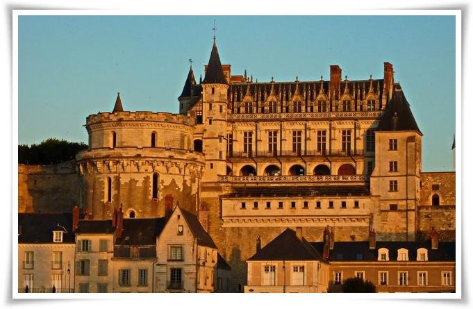 Coucher de soleil sur le château d'Amboise