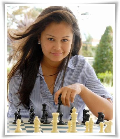 http://soloscacchi.altervista.org/wp-content/uploads/2015/11/760912-chess-hottie-arianne-caoili.jpg