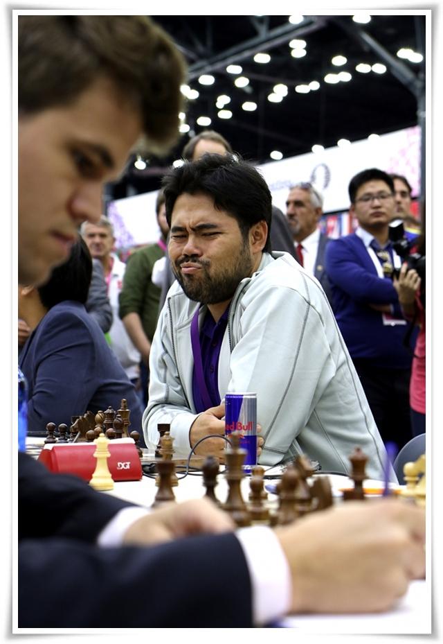 USA - Norvegia; Nakamura sbircia Carlsen