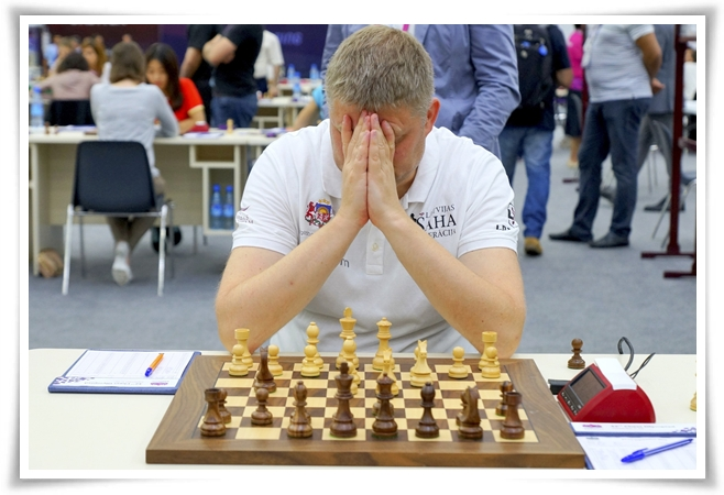 Shirov in piena concentrazione